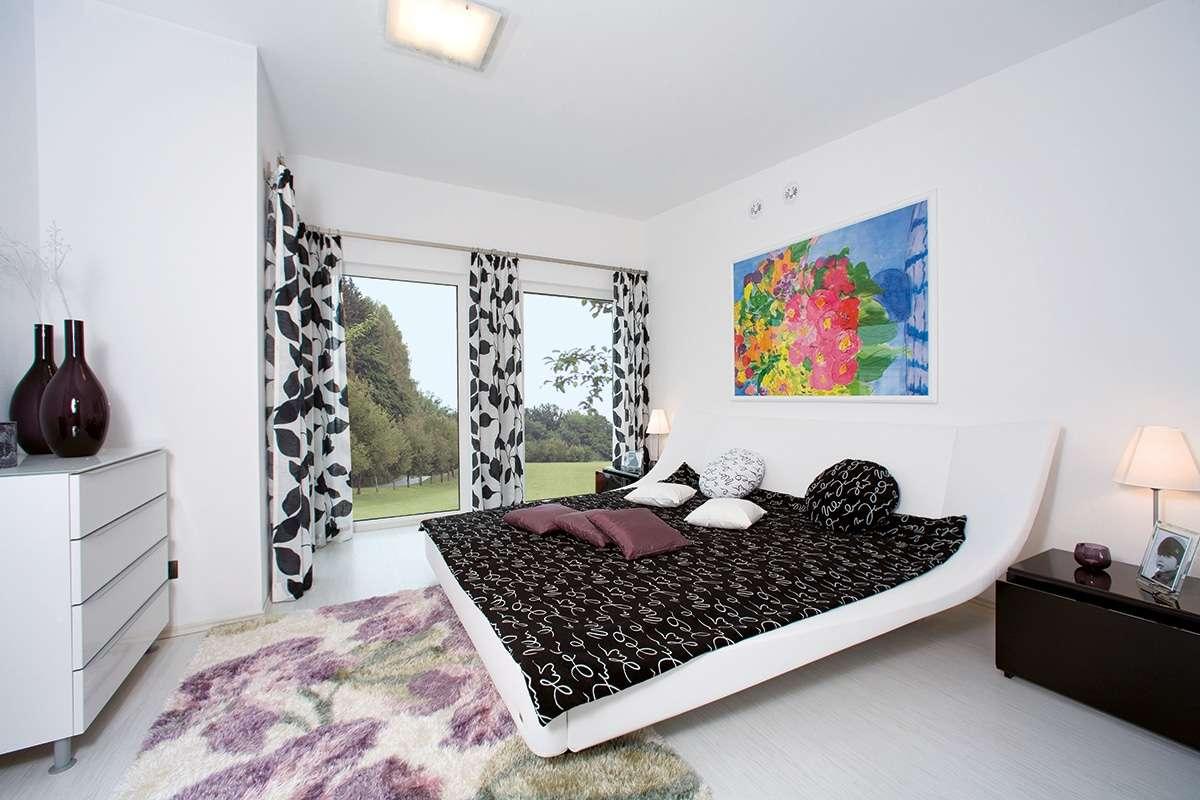 Automatisch gespeicherter Entwurf - Ein Schlafzimmer mit einem Bett und einem Fenster - Schlafzimmer