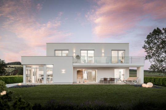 Automatisch gespeicherter Entwurf - Eine große Wiese vor einem Haus - GRIFFNER Fertighaus GmbH