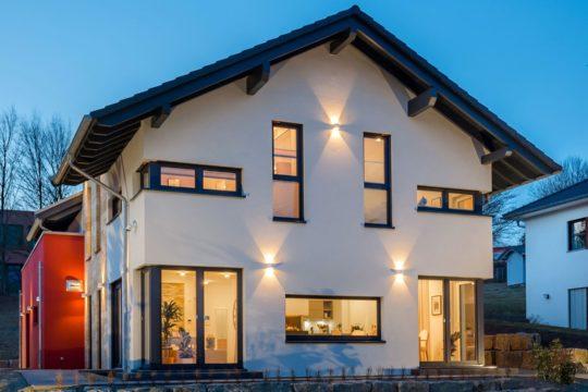Automatisch gespeicherter Entwurf - Ein Blick auf ein Haus - OKAL GmbH