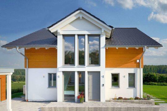 Automatisch gespeicherter Entwurf - Eine große Wiese vor einem Haus - Haus