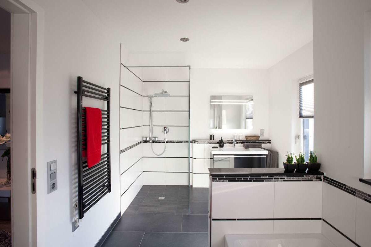 Starline (Avantgarde) - Ein weißer Ofen sitzt in einer Küche - Haus