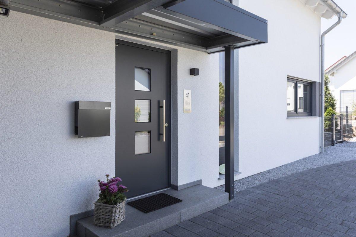 Haus Goebel - Ein blick auf die seite eines gebäudes - Die Architektur