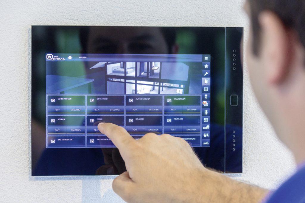 HUF HAUS MODUM 7 - Ein Flachbildfernseher - Computerbildschirm
