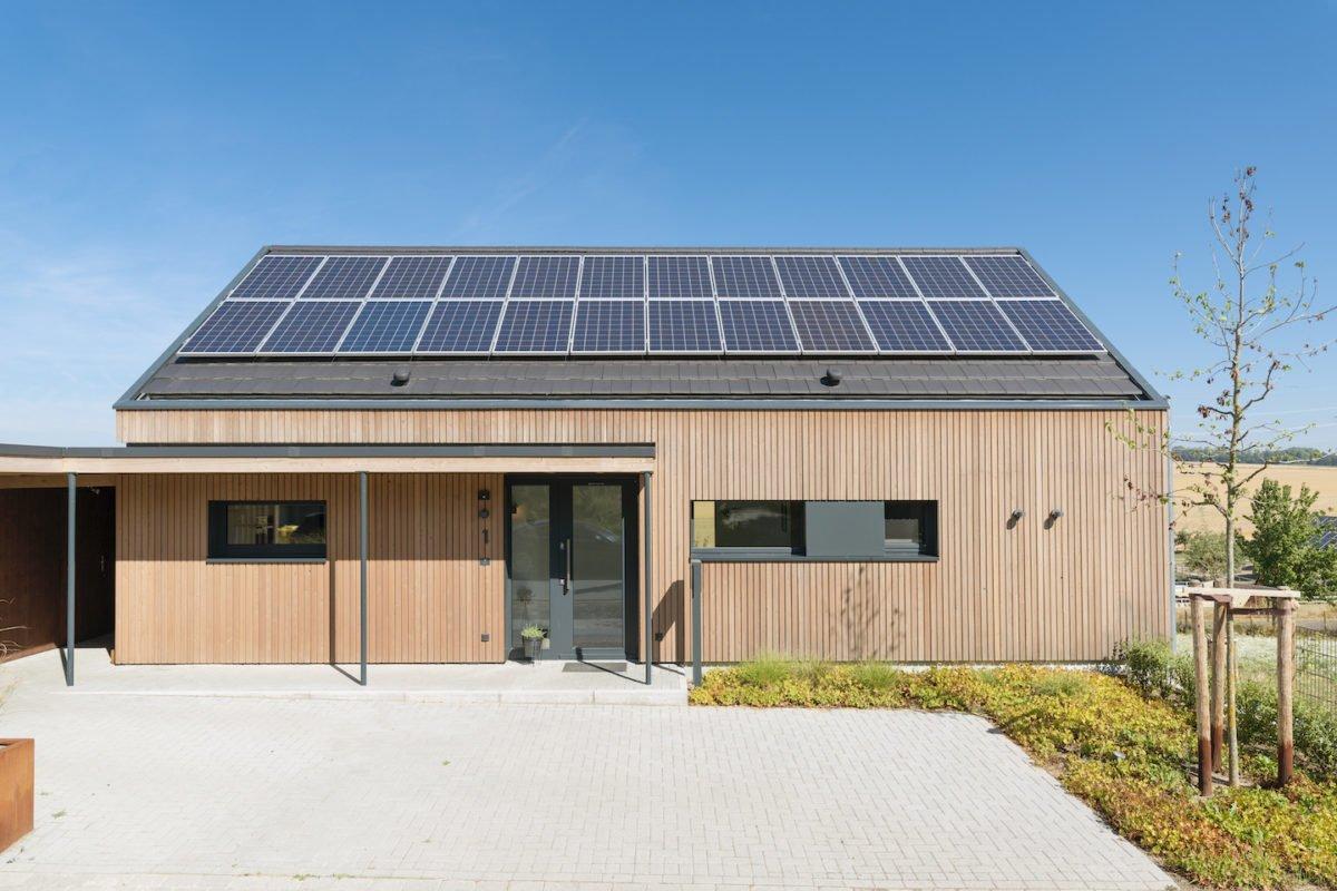 Kundenhaus Schaub - Das Dach eines Hauses - Sonnenkollektor