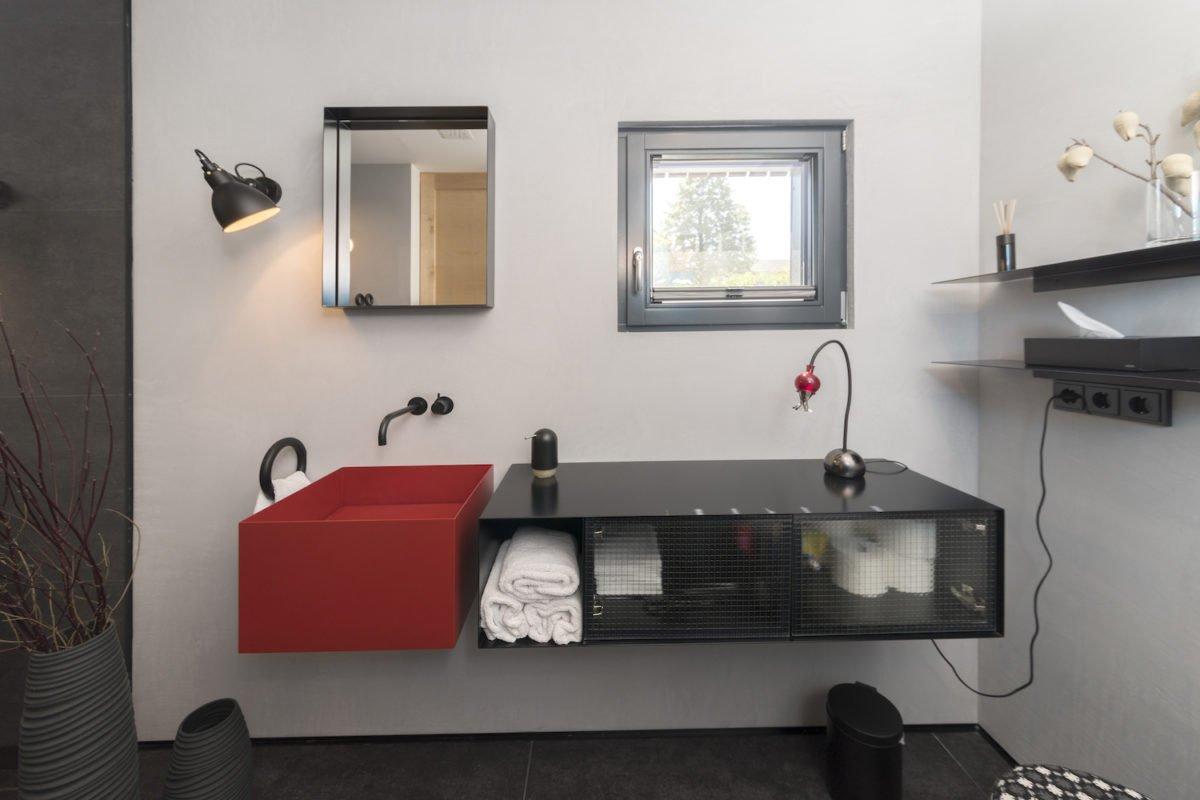 Kundenhaus Schaub - Ein Schlafzimmer mit einem großen Spiegel - Interior Design Services