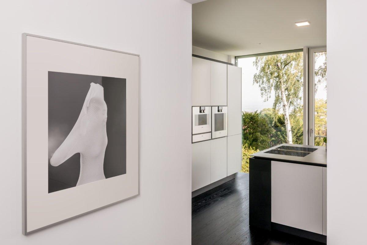 Haus Pawliczec - Ein Raum mit einem großen Spiegel - Design