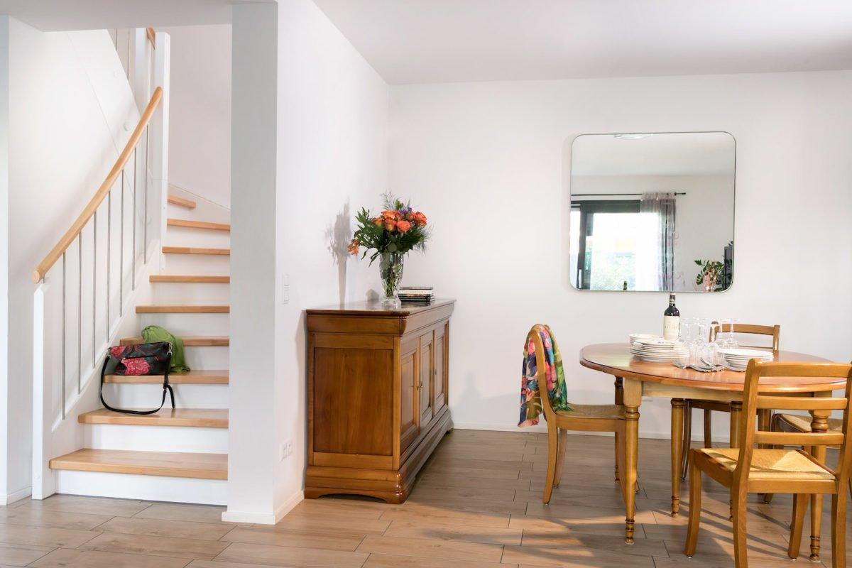 Kundenhaus Oliveira - Ein Esstisch - Interior Design Services