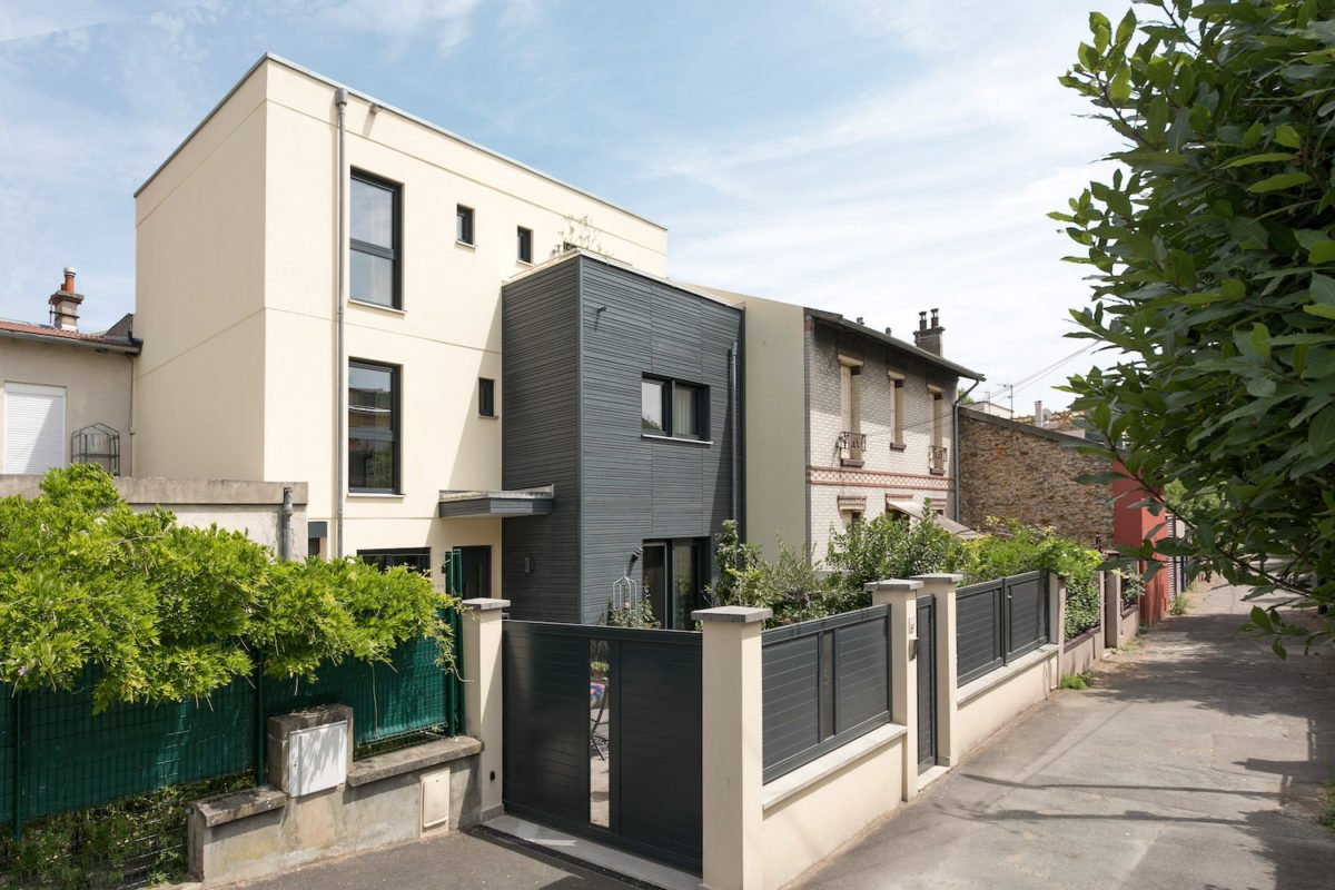Kundenhaus Oliveira - Ein Backsteingebäude - Pruszkow
