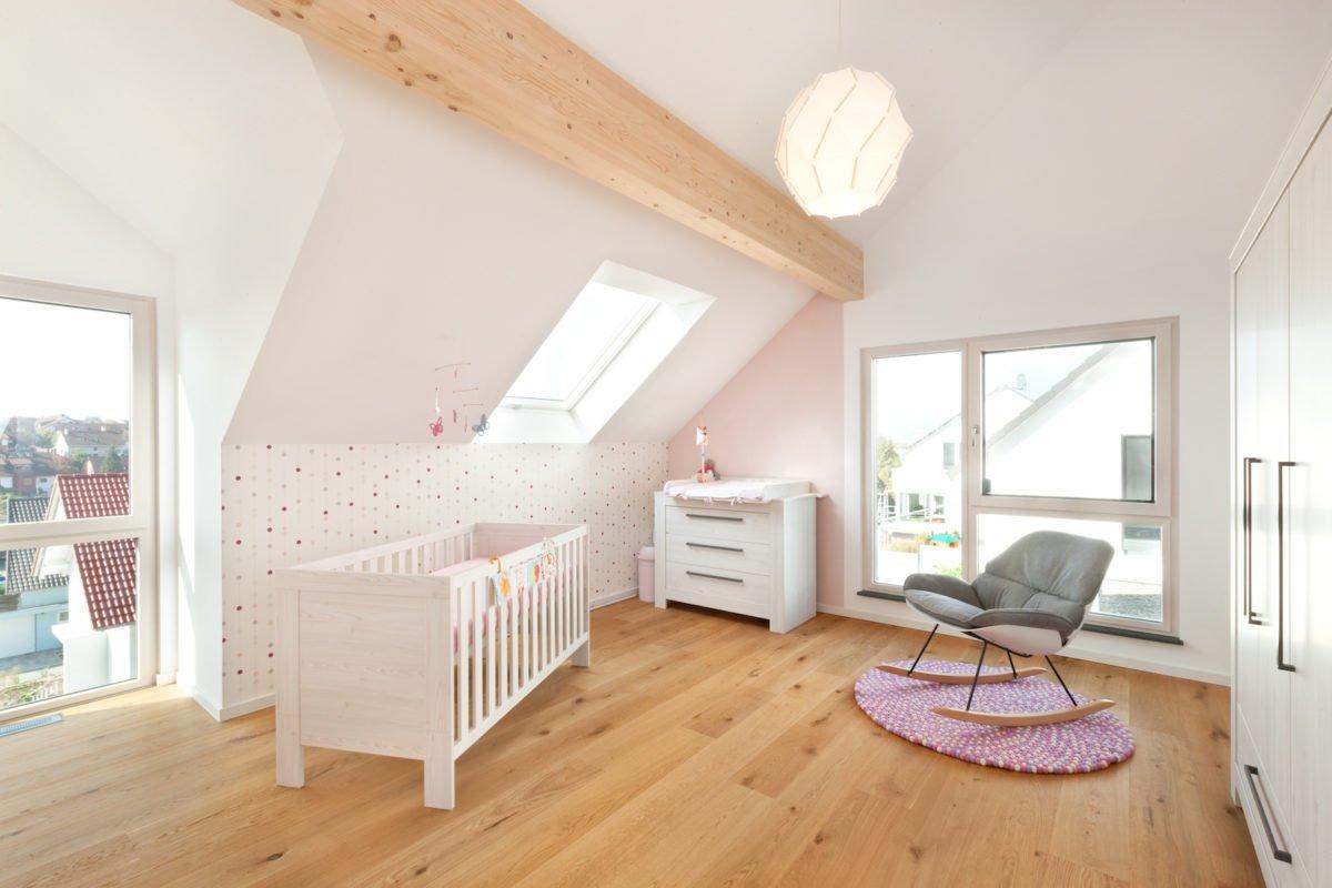 Haus U120 - Ein Zimmer mit Holzboden - Larkhall