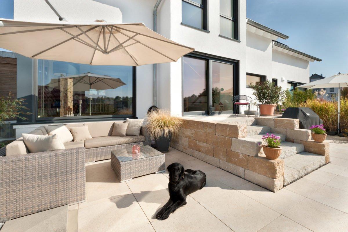 Haus U120 - Eine Katze sitzt auf einem Gebäude - Penthouse-Wohnung