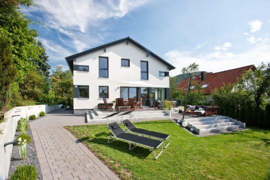 BienZenker Kundenhaus Jäger Front Zugang