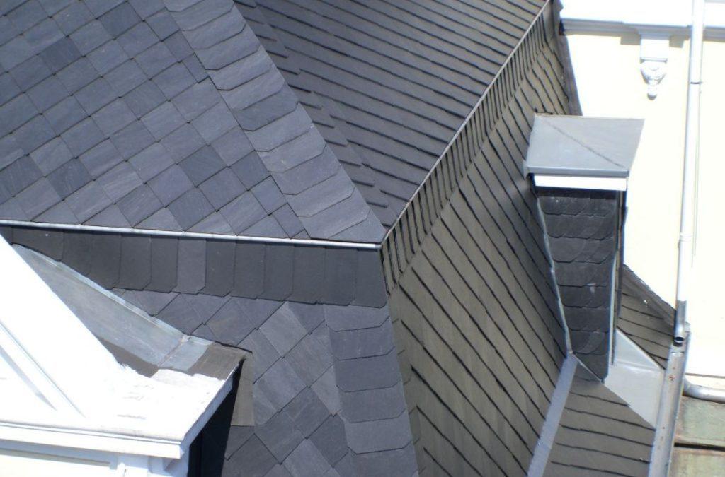 Dachschiefer mit Spitzwinkel-Deckung