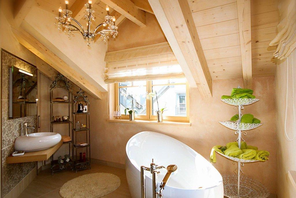 Moderne-Holzhaeuser-Entwurf-Pro-Ambiente-Badezimmer-voema-Bio-Bau